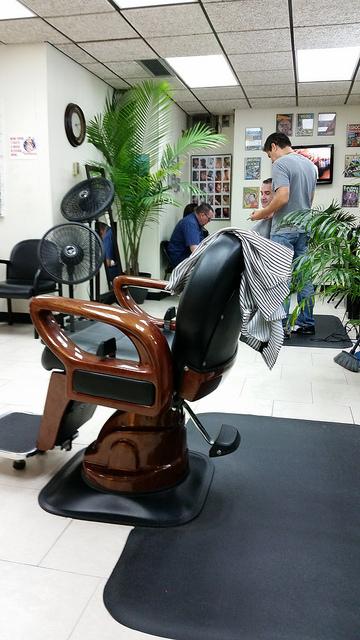 fotel fryzjerski